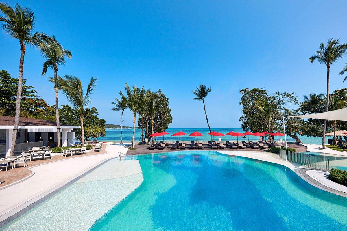 amari hotel swimming pool