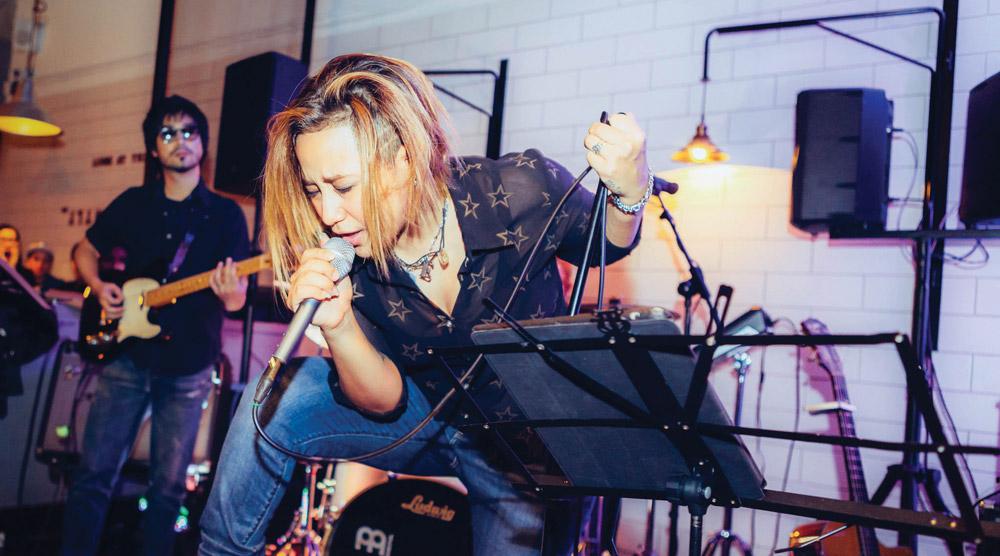 girls rock asia-singing