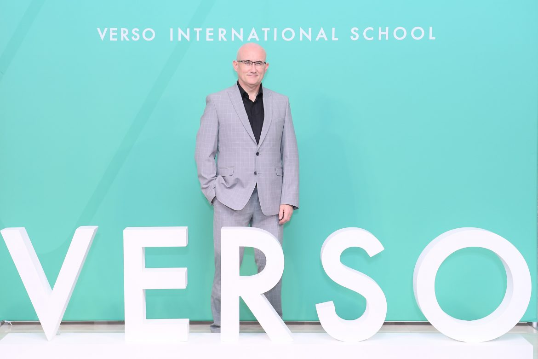 มิสเตอร์คาเมรอน ฟ็อกซ์ หัวหน้าผู้บริหารโรงเรียนนานาชาติเวอร์โซ (2)