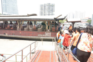 IWC-goes-cruising-people-pier