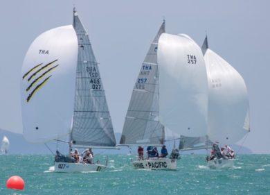 Thai-sailors-ship-onsea