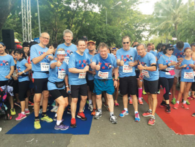 run for dek-runners blue shirts