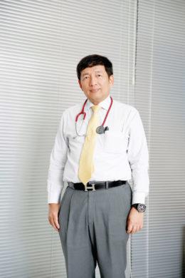 sukumvit hospital-dr five