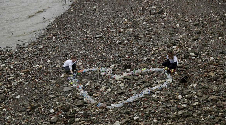 Trash on Sea