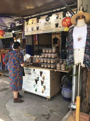 Chatuchak market selling tea