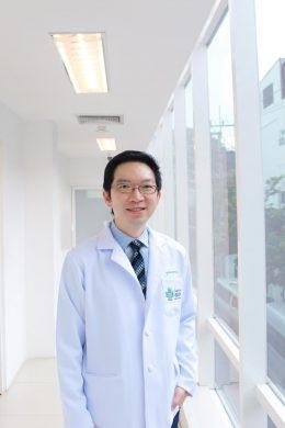 Dr Sukpraseart Jutaghokiat Of Sukhumvit Hospital