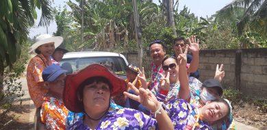 Hawaiian style shirts