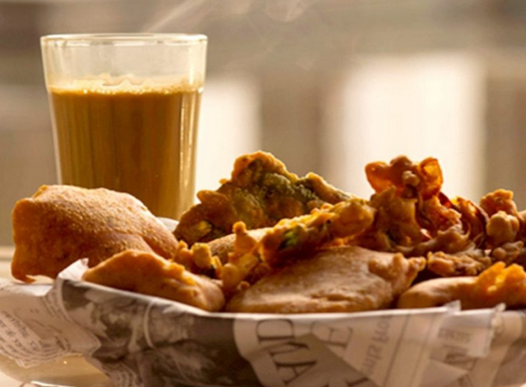 Cutting Chai with pakoras