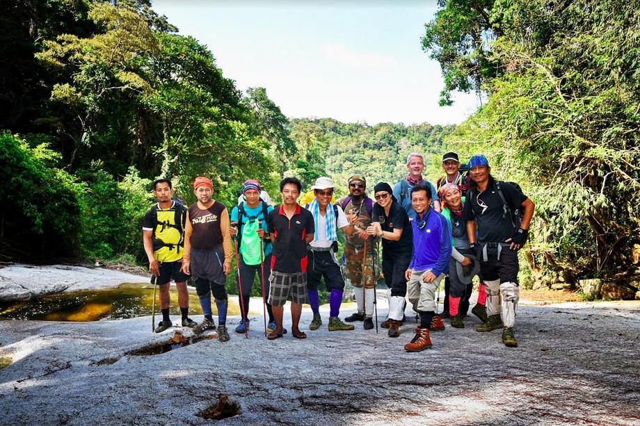 Khao Luang trek group pic 2019
