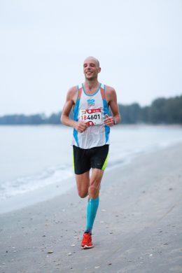 Erik Bohm running
